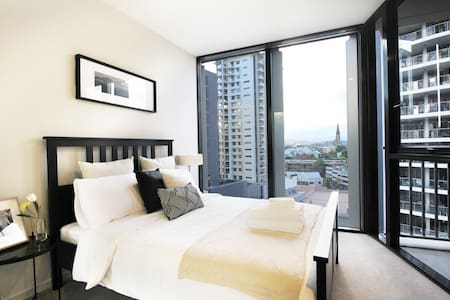 1B1B First Class Residence, Queen St, Brisbane CBD