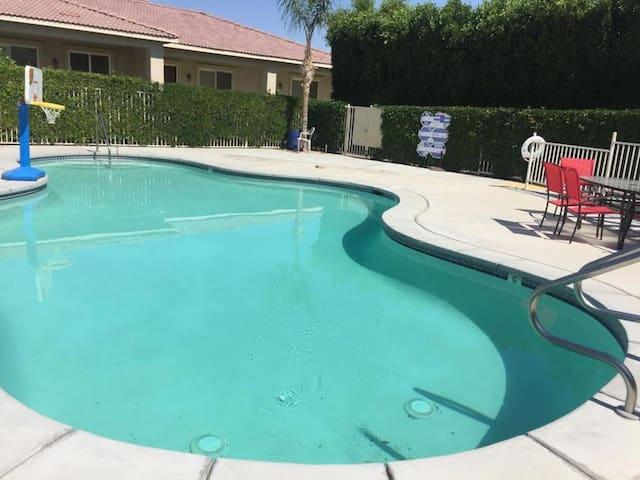 A little extra for Coachella - Coachella - Rumah