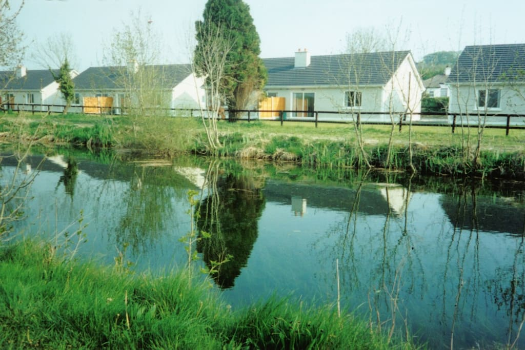 Robertstown Holiday Village on the Banks Of the Grand Canal