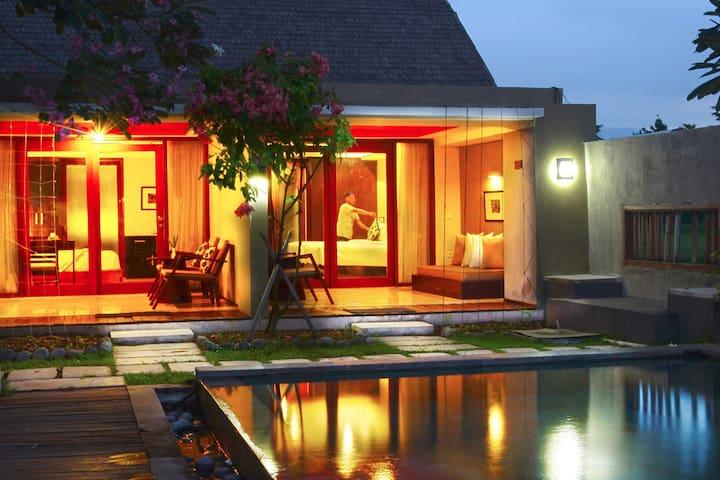 Pool Pavilion at K2 Eco Boutique - Kota Mataram - Aamiaismajoitus