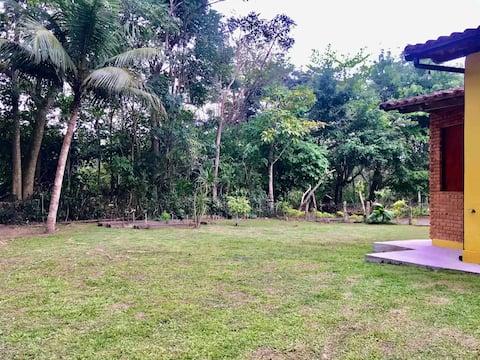 KitNet em local tranquilo e em meio à natureza.