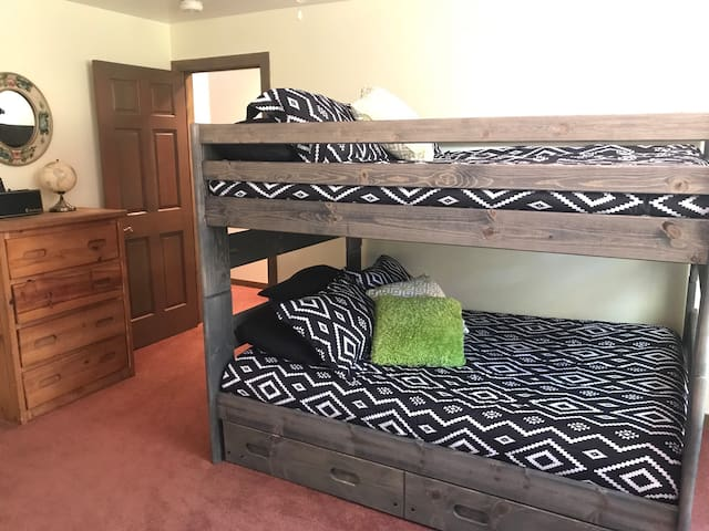 Bedroom 3: Full Bunk bed with a twin trundle brand new memory foam mattresses that are super comfy.