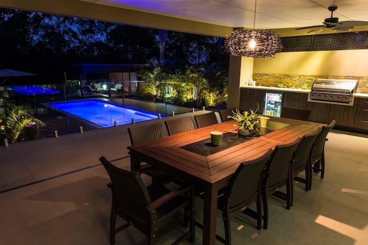 Large New Luxury House walk to shops gold coast