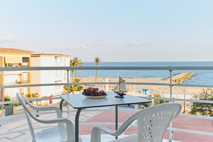 Casa junto al mar con piscina WIFI y AC