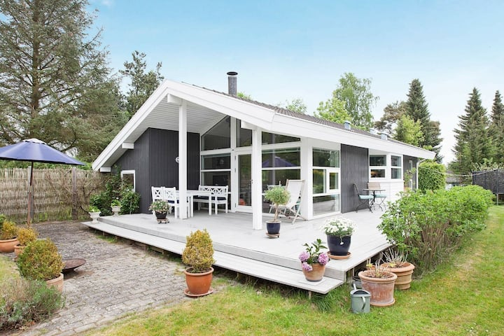 Luxurious Holiday Home in Hovedstaden with Garden