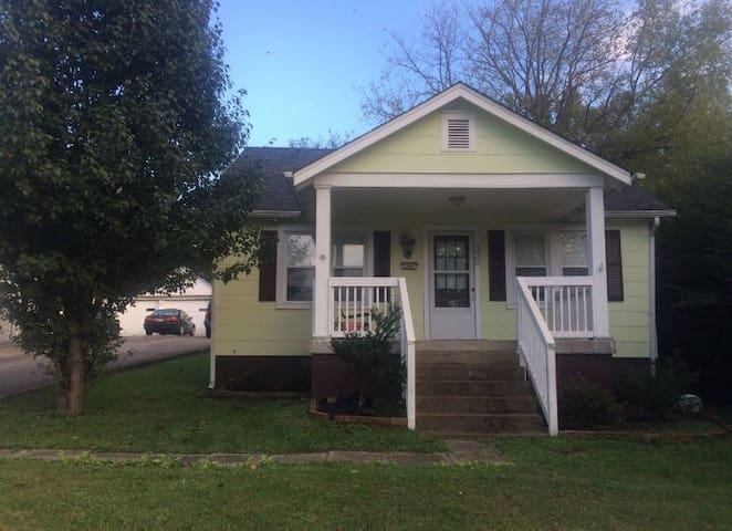 1100sq ft House North of Downtown Nashville