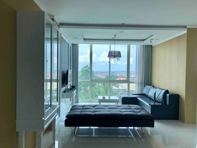 Cozy 3BR Condo at Ciputra World (147sqm)