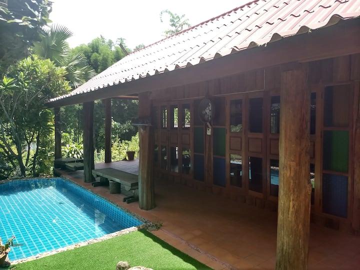 Beautiful Poolside House
