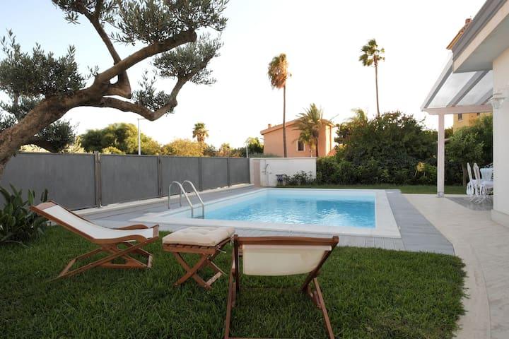villetta a San Leone con piscina