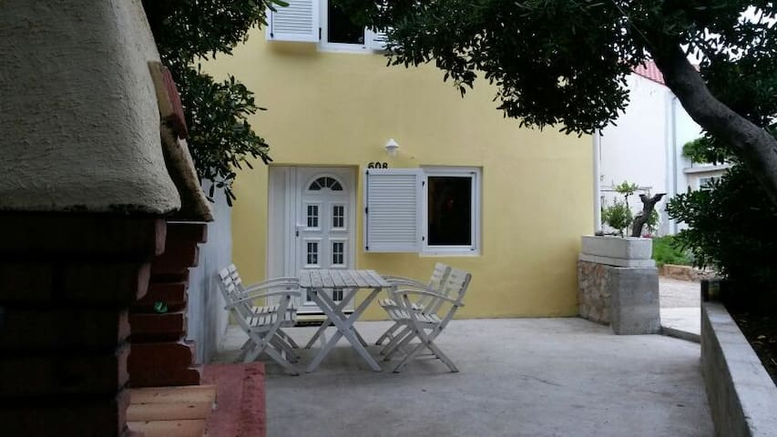 Barbat, private house 10m from see - Barbat - Rumah