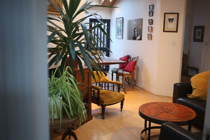 Bright Spacious Victorian Cottage in City Centre