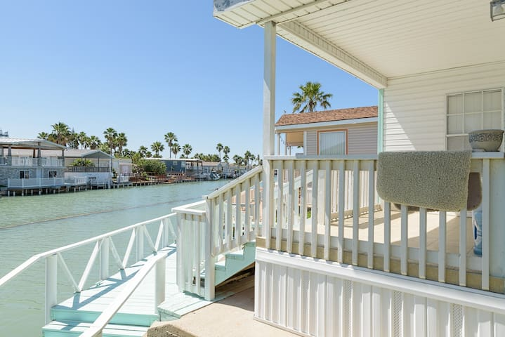 Home on Canal w/ Boat Dock - Port Isabel - Casa