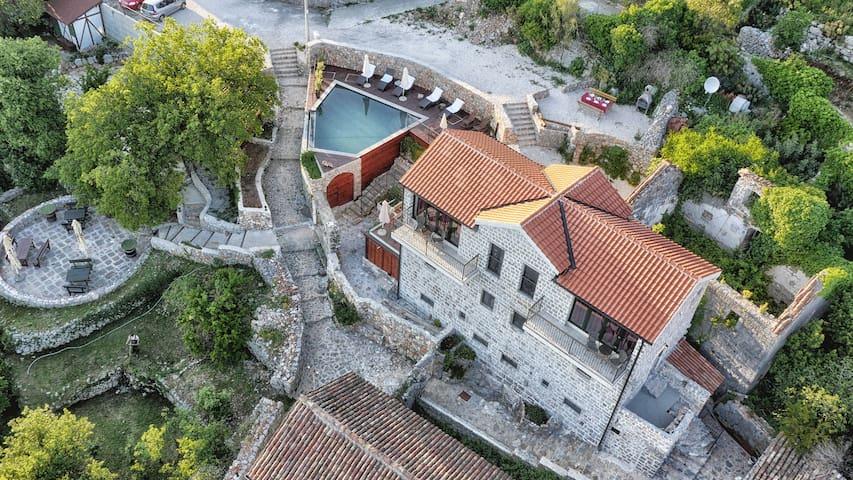 St.Tryphon Villa - U will love it !
