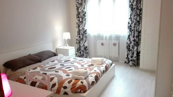 """""""Students & workers"""" single big room2 (double bed)"""