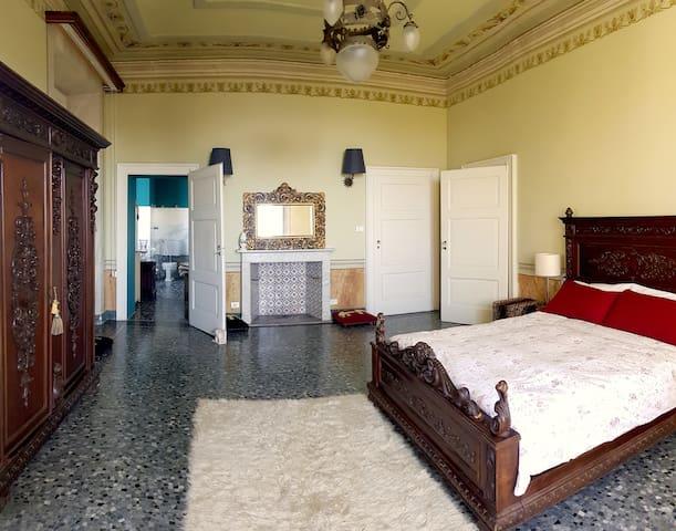 KING'S Suite at 18hundred Villa,Lago Maggiore!!