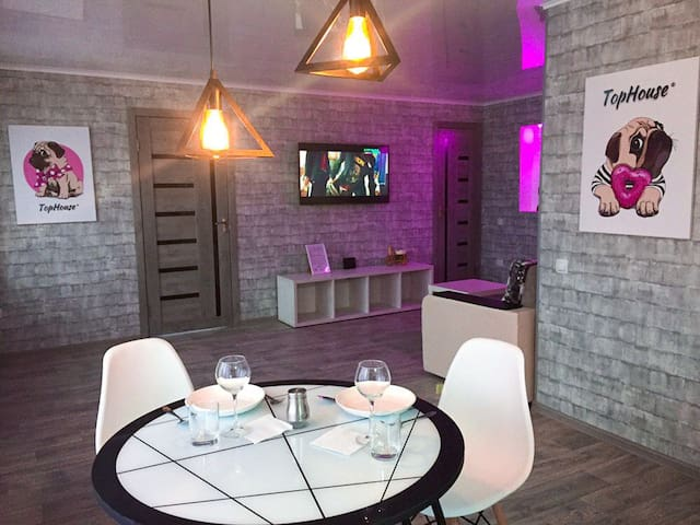 Люкс-студия двухкомнатная квартира