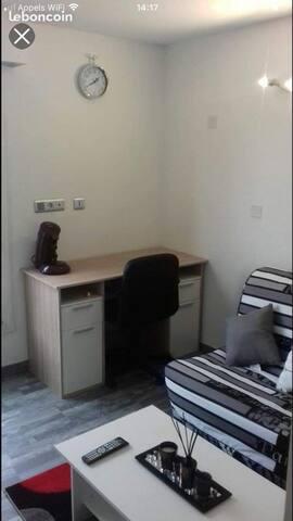 Studio dans résidence étudiante calme