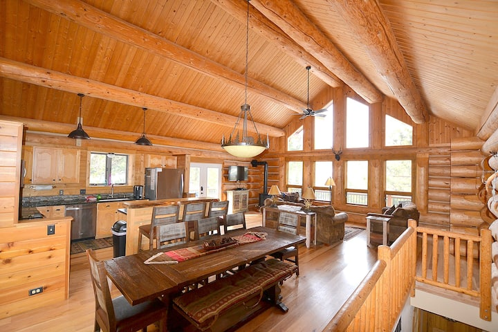 New Listing on AirBnB! ! Private Mountain Retreat