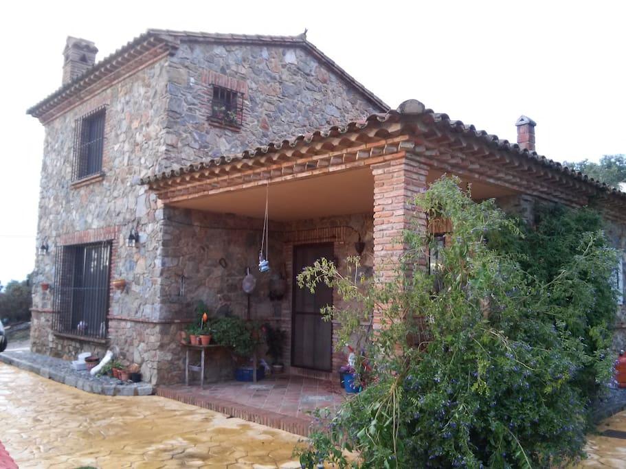 Casa de campo en la sierra de aracena cortegana casas for Casas de alquiler en la sierra de madrid