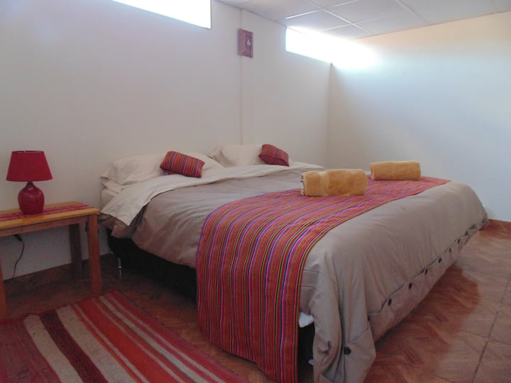 Private room w/bathroom+Breakfast (Magic Cusco 2)