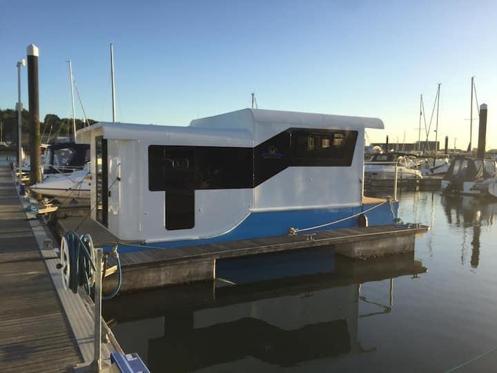"""Luxury Marina Boat """"Inspiration 25"""""""