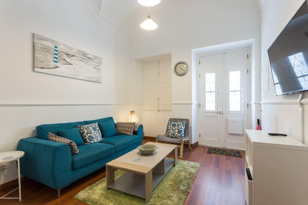 superbe maison avec deux chambres et deux salles de bain dans un endroit magnifique maisons. Black Bedroom Furniture Sets. Home Design Ideas