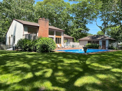 Beach house, spectacular location, new listing.