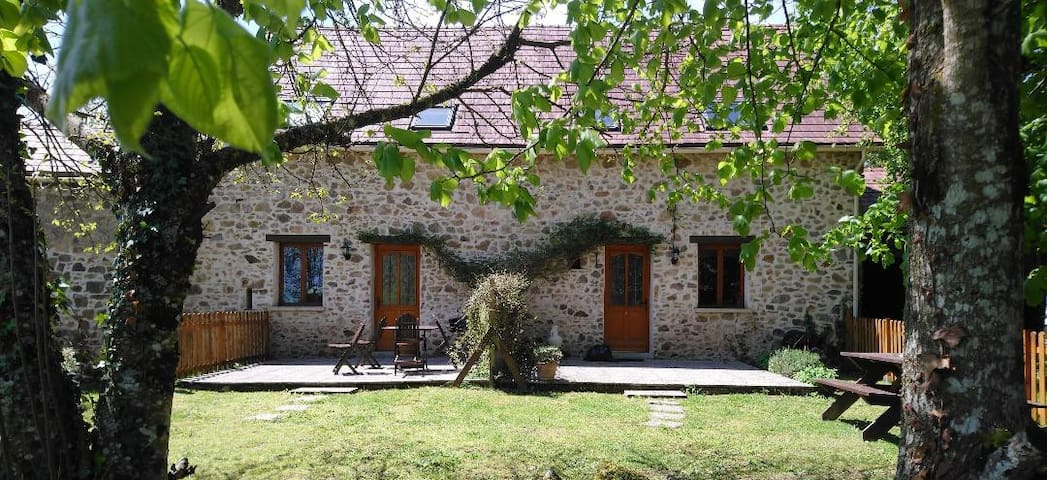 Stunning rural gite near Dordogne Gite 1 sleeps 6