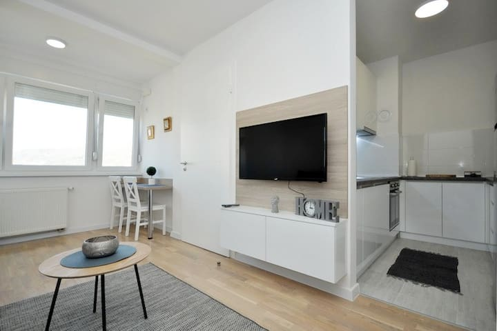 """Brand new,  modern furnished apartment """"View 2"""""""