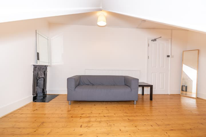 Bedroom & Large Private Lounge, Greater London