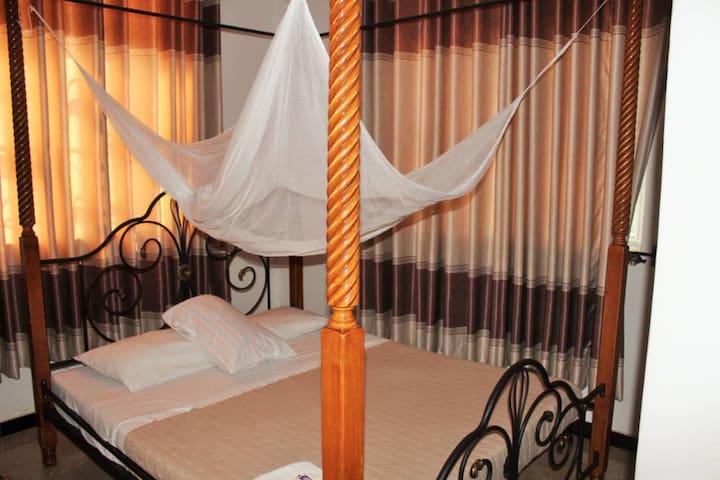 Entebbe Vine Inn