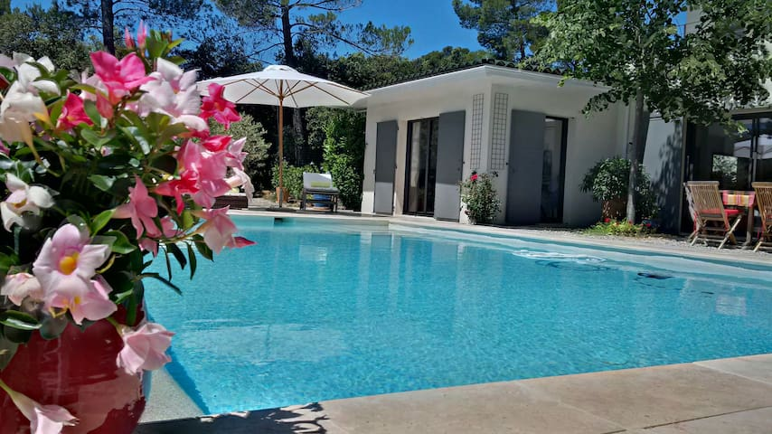 Lou Baou, 1 bedroom villa with pool - Saint-Marc-Jaumegarde - 一軒家