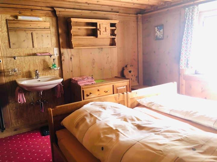 Zimmer in historischem Haus,hauseigenes Restaurant