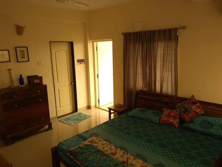 Artistically curated ,2bhk top floor apartment.
