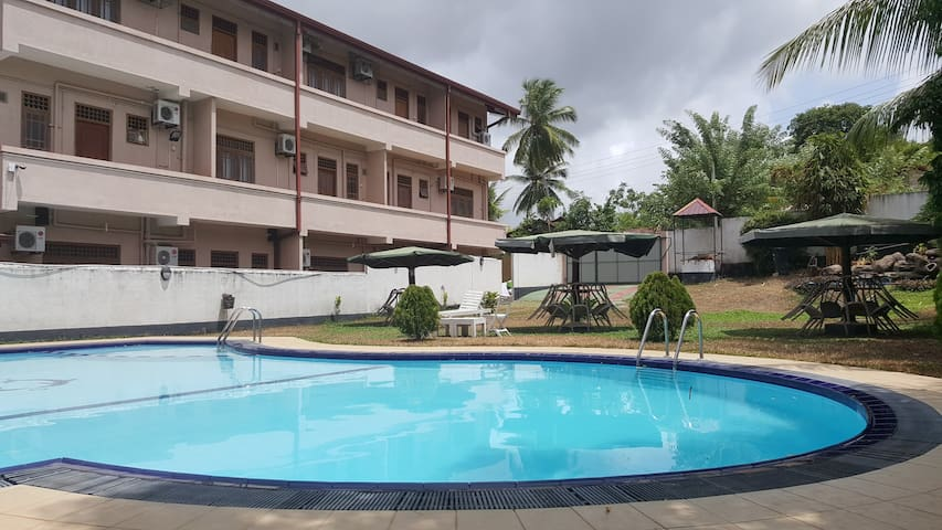 Green View Hotel/Apartments/Rooms/Restaurant(4Pax) - Katunayake - Apartamento