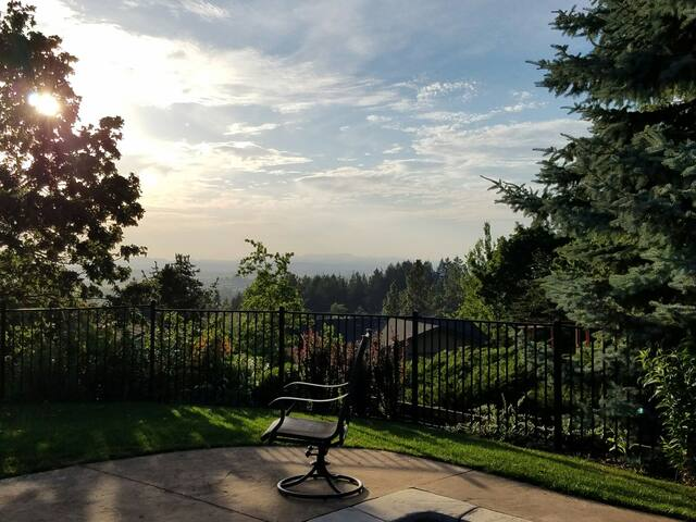 Amazing sunset views & private pool 4 mi from UO - Eugene - Huis