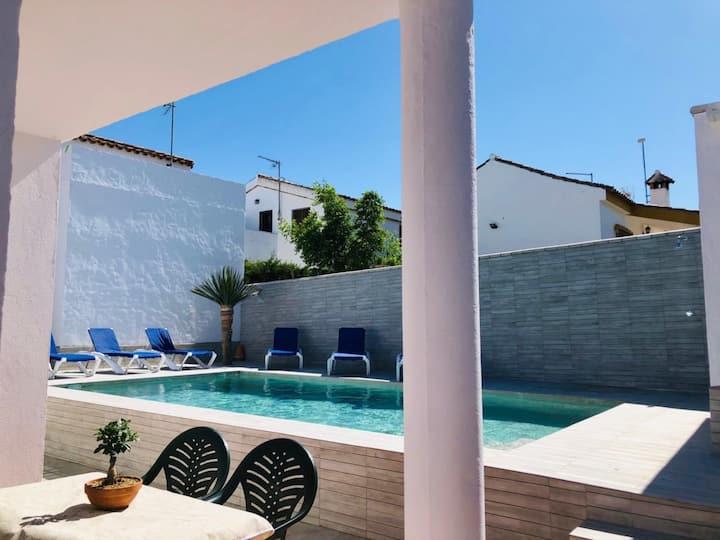 Chalet con piscina privada 3
