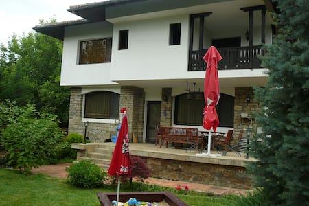 Moni House - Arbanasi