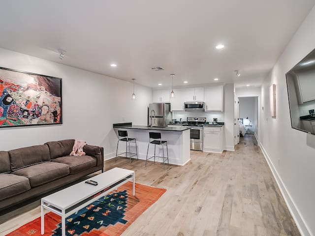 Plaza District White House #3 Right Duplex - New!