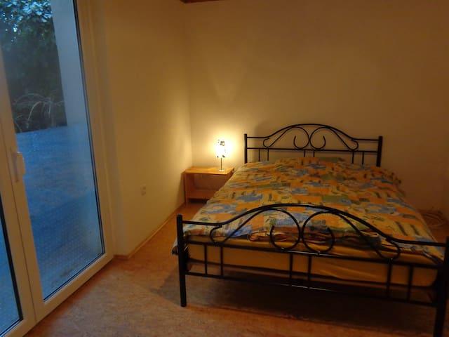 Doppelbett mit Bad in Fachwerkhaus