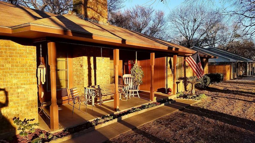 Golfer & Fisherman's Dream House - Kemp