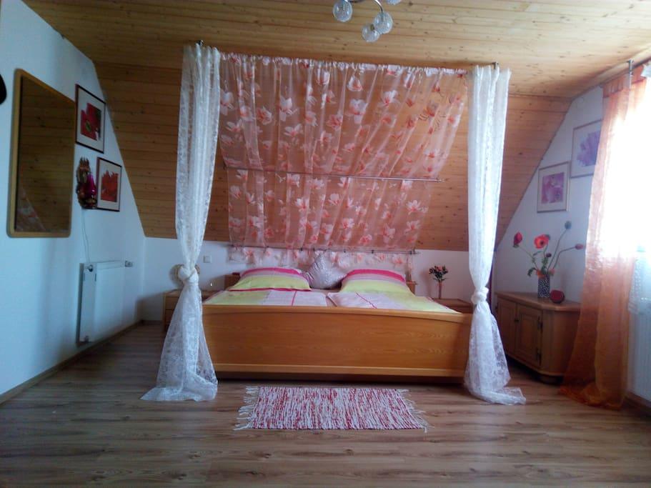 himmlisches Doppelbett
