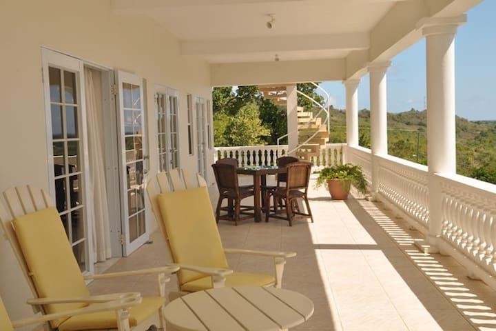 Castles in Paradise Villa Resort #4