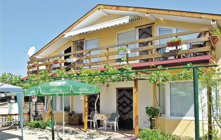 Holiday cottage with 3 bedrooms on 100m² in Varna-Asparuhovo