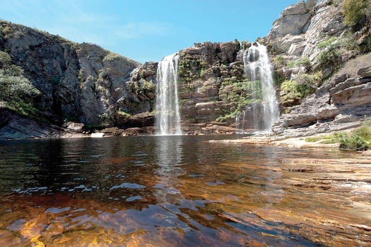 Cachoeira e Serra