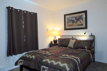 William Clark House, 5 blocks to Yellowstone - West Yellowstone - Appartement
