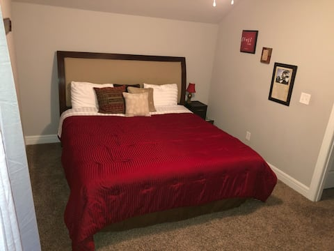 #2 Private King Size Room w/TV & Walk in Closet