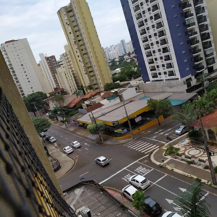 Apto 4 quartos centro de Londrina