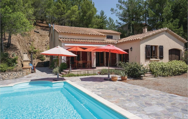 Holiday cottage with 2 bedrooms on 120m² in Roquebrun