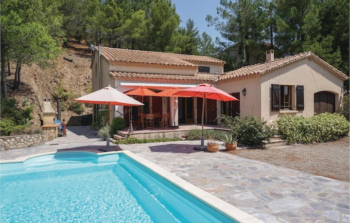 Awesome home in Roquebrun with Outdoor swimming pool and 2 Bedrooms